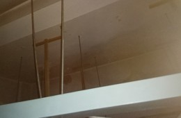 槐荫阳光100美乐汇吊顶上门渗水
