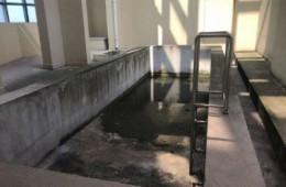 槐荫广场室内游泳池做防水