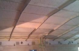 钢结构厂房房顶雨天漏雨