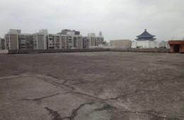 浦东巢安电气屋顶保温层防水层翻新。