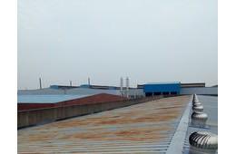 渝北万向钱潮汽车部件有限公司,车间屋顶渗水。