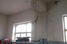 天津九园工业园员工宿舍屋顶漏水