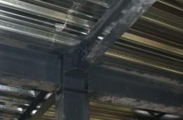 长沙怡宝饮料有限公司钢构房屋顶铁皮漏水