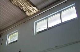 红星乳品厂,钢构厂房房顶接缝的地方滴水