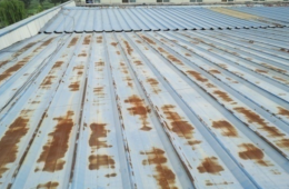 西安新华印刷厂屋顶彩钢板漏水
