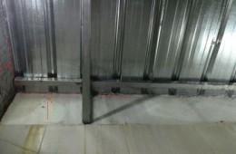 民航小区彩钢棚漏水