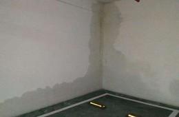群光广场车库墙壁漏水