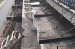 广州市花都区花都眼科医院 楼群平台渗水到大厅