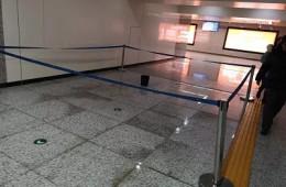和平医院地铁站出口廊道顶部漏水 找正规堵漏公司报价