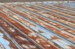 萧山区万品贸商城 彩钢瓦屋顶漏水