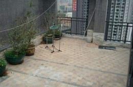 万科紫郡 铲掉瓷砖,做防水,铺防腐木找会做的师傅