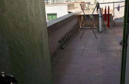 郑州市中原区华淮小区 楼顶凉台往客厅漏水