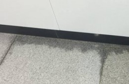 瑞之舞舞蹈学校 练舞室墙根渗水