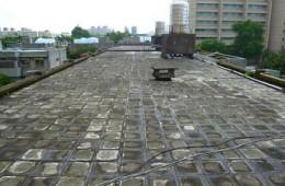 苏州工业园团结工业坊 屋面做防水卷材铺保温板细石混凝土。