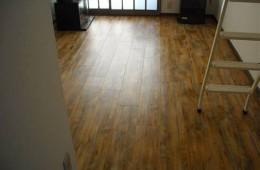 甘井子区慧谷随园底板已经发霉天台往客厅漏水