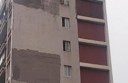 青岛崂山昆泉物业 小区墙壁大面积渗水