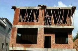 青岛市城阳宝陆莱街自建房已封顶找防水公司进场