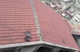 中央路青岛路交叉口屋顶维修