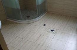 唐山市路北区东旭花园 浴室漏水