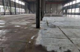 青山湖区南昌工具厂钢构厂房漏水
