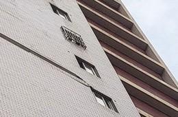 汉阳区铁桥村11楼墙面瓷砖脱落急需维修