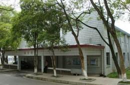 江西青年职业学院5栋学生公寓楼阳台地面门头渗水维修