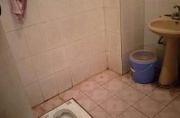 静安区康乐路北站社区文化活动中心 便池下水管漏水