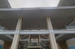 上海外国语大学松江校区食堂中庭钢结构雨棚做防水