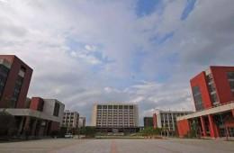 中国计量大学部分漏水、渗水较严重屋面进行维修
