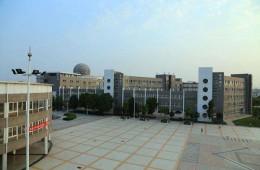 阜阳市五中科技楼连廊窗户及墙体加固防水修缮