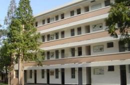 鄠邑区草堂中心学校教学楼,宿舍楼,综合楼年久失修,屋面漏水严重急需维修