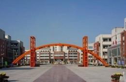 淄博市桓台二中学生宿舍楼顶防水、学校大门顶漏水维修