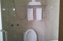 雨花台区板桥振兴路58号兵家招待所 几间厕所漏水急需维修