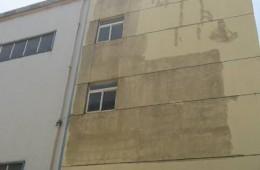 江夏区大花岭工业园A区宝欣伟业办公楼走道外墙,窗户渗水发霉修理