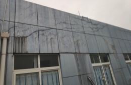 麓谷国际工业园女儿墙漏水,顶楼窗户漏水,山墙漏水维修。