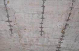 2.5万平方地下室顶板裂缝注浆堵漏包工,不保修(堵完做防水)!